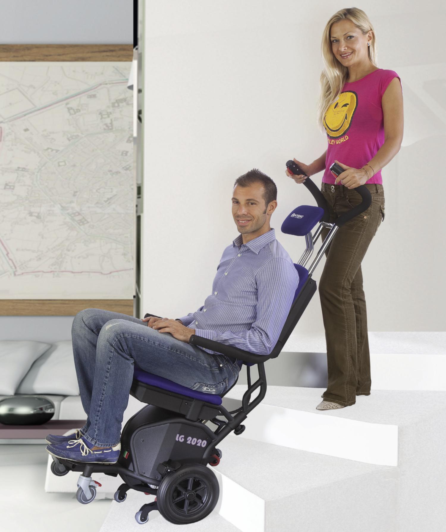 Montascale a ruote lg2020 montascale mobili for Sedia motorizzata per scale