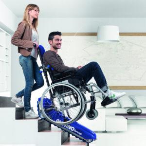 Montascale mobili a cingoli, saliscale, trattorino per anziani e disabili